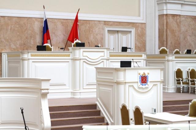 В Заксобрании Петербурга удивлены «семейственностью» в Общественной палате