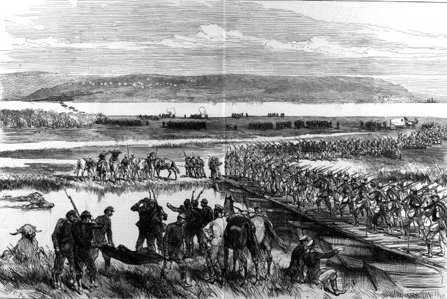 Комбинированная переправа русских войск через Дунай у Зимницы, на переднем плане мостовая и слева (по реке) видна паромная