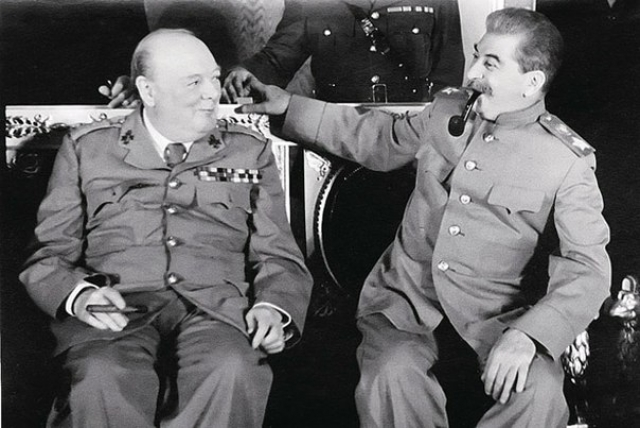 Уинстон Черчилль и Иосиф Сталин во время переговоров в Москве. 1944