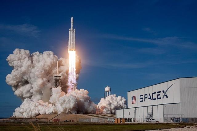 SpaceX планирует первый коммерческий пуск Falcon Heavy на конец 2018 года