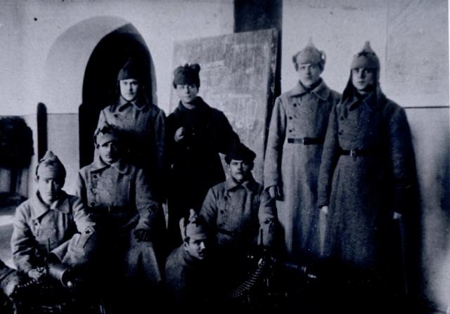 Участники волочаевского боя (снято в учебном классе)