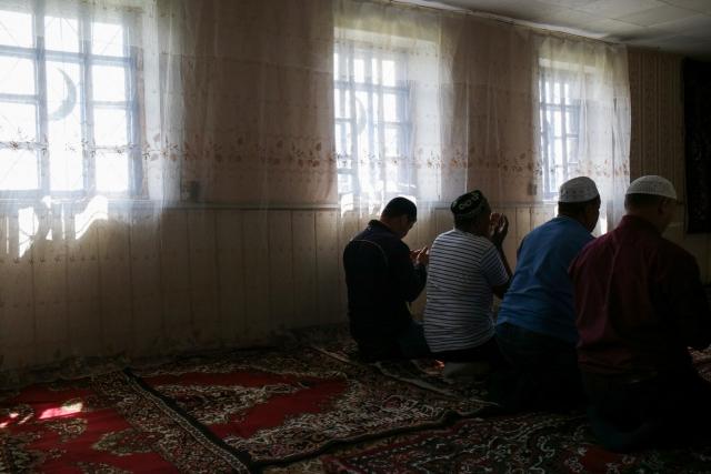 Джума — пятница, праздничный день у мусульман, день обязательного сбора в мечети для полуденной молитвы и слушания проповеди. Аул Каскат, Омская область