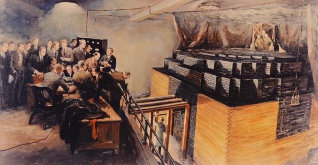 2 декабря 1942 года. С трибуны площадки для игры в сквош в Чикагском университете Энрико Ферми демонстрирует цепную ядерную реакцию на первом в мире ядерном реакторе («Чикагская поленница»-1)