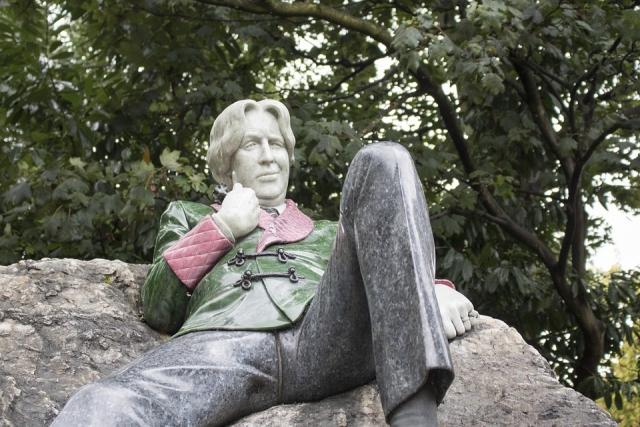 Оскар Уайльд. Монумент в Дублине, Ирландия