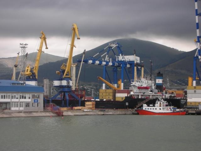 В морских портах России могут ввести новый стандарт пылеподавления