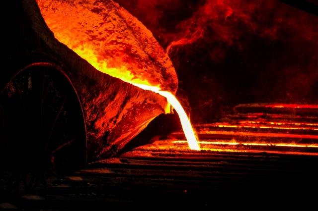 В металлургическом цеху