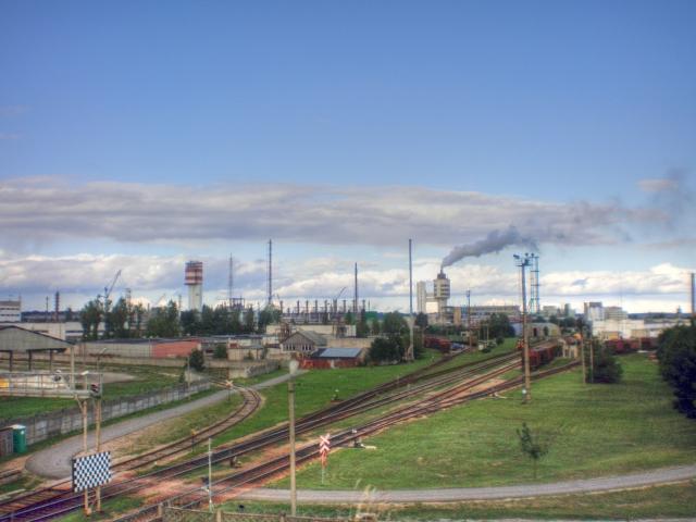 Жертва СПГ-терминала в Литве начинает останавливать производство