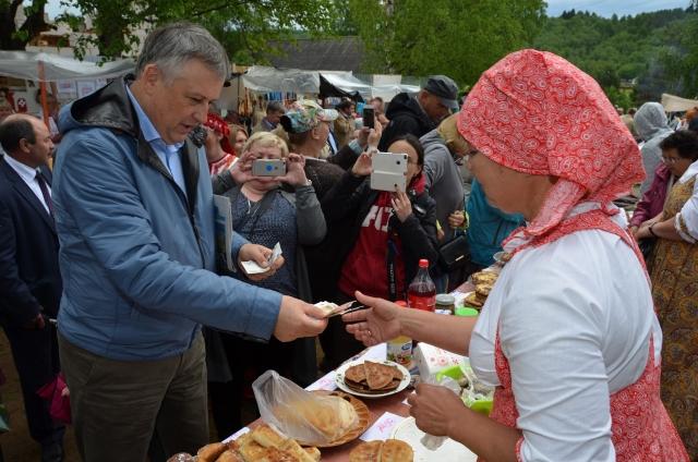 Ленобласть собрала тысячи гостей послушать финно-угорские сказки