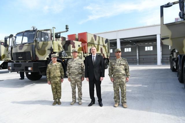 Ильхам Алиев на фоне ОТРК LORA
