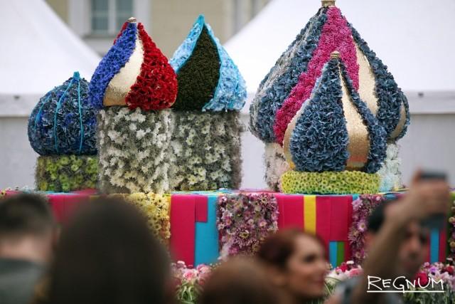 Фестиваль цветов на Дворцовой