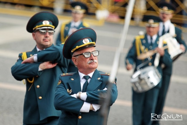 Дефиле-парад оркестров на Дворцовой