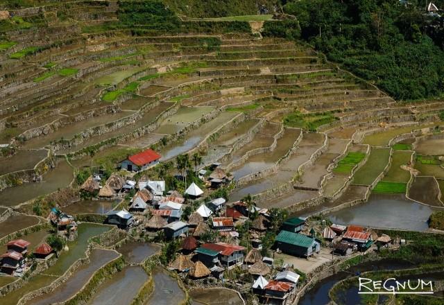 Именно здесь находятся знаменитые на весь мир рисовые террасы, занесенные в список всемирного наследия ЮНЕСКО
