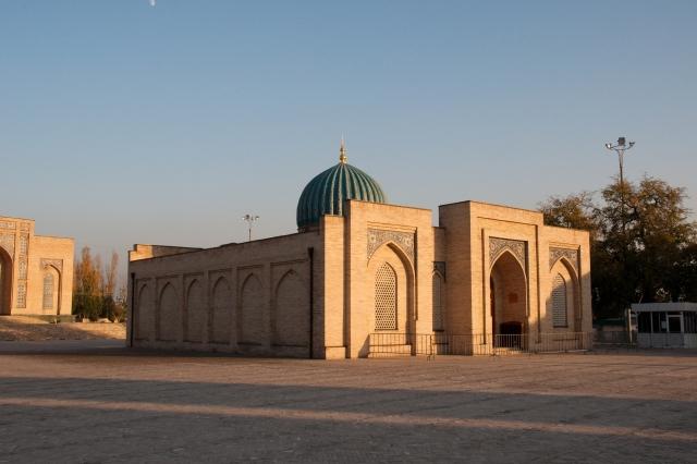 В Узбекистане умер главный имам Ташкента Анвар-кори Турсунов