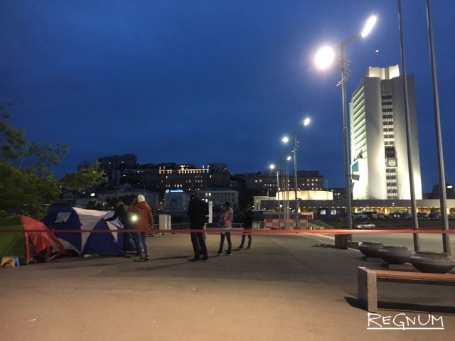 Сироты в Приморье прекратили голодовку — временное жильё получено