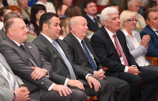 Игорь Руденя вручил награды тверским медикам