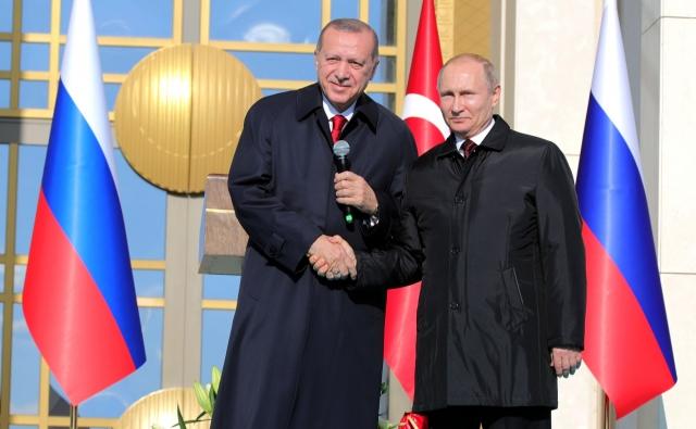 Реджеп Тайип Эрдоган и Владимир Путин на церемонии запуска строительства первого энергоблока АЭС «Аккую
