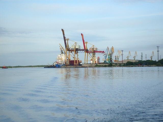 Крупные суда не могут зайти на ремонт в архангельский порт
