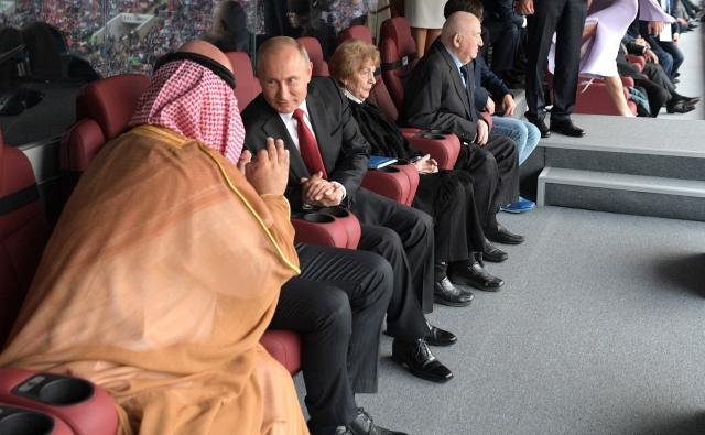 Путин – Аль Сауду: Относимся тепло, но болеем за своих