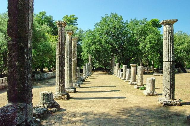 Руины палестры — школы, где тренировались древнегреческие атлеты