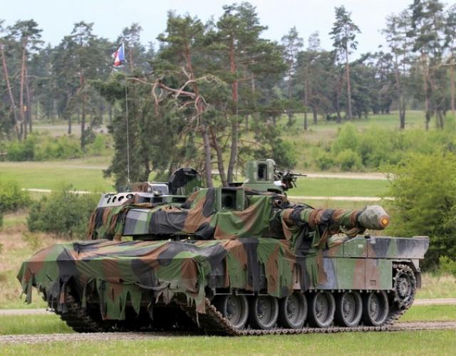 Французский основной боевой танк АМХ-56 Leclerc