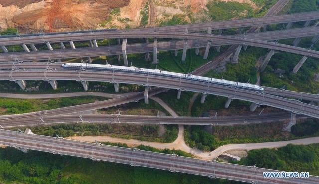 С нуля до 1751 км за пять лет: рост скоростных железных дорог на юге Китая