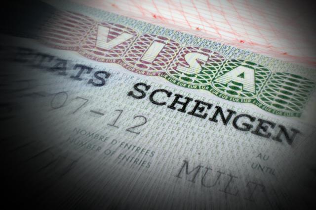 Премьер-министр Италии не уверен в светлом будущем Шенгенской зоны