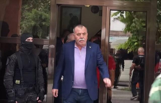 Парламент согласился с ходатайством генпрокурора о содержании под стражей депутата Манвела Григоряна