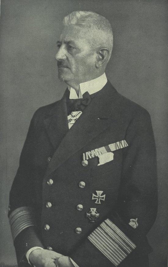 Вице-адмирал Людвиг фон Ройтер, командующим германским Флотом открытого моря