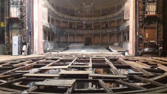 В калининградском драмтеатре впервые за 58 лет начался ремонт главной сцены