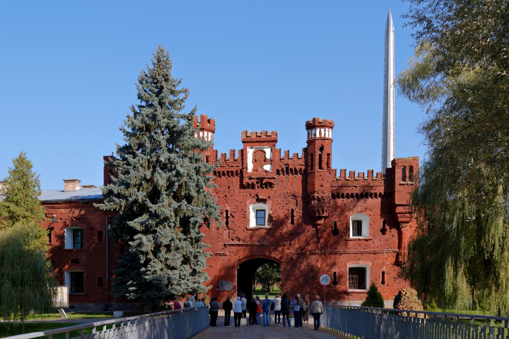 Брестская крепость. Холмские ворота