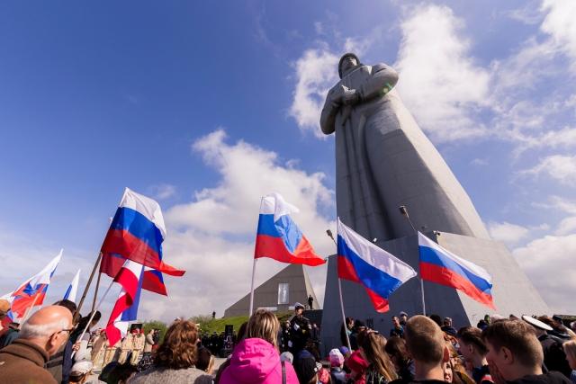 В Мурманской области свечу памяти зажег огонь из Петербурга