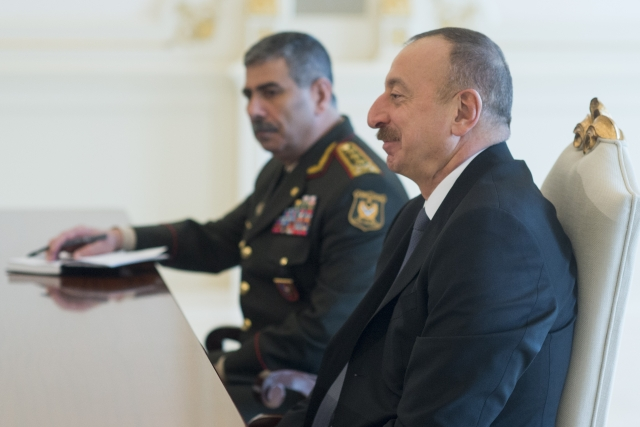 Ильхам Алиев (на переднем плане) и закир Гасанов