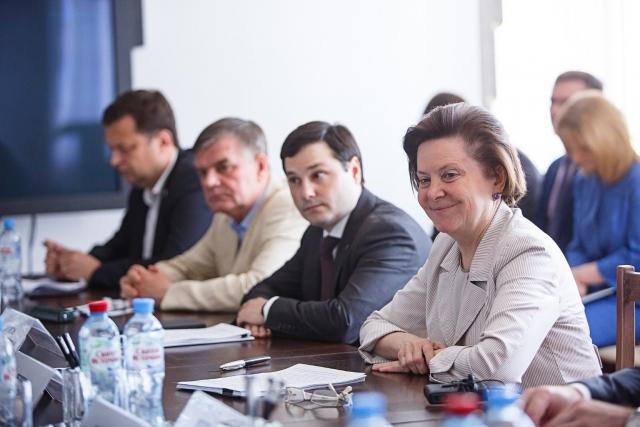 «Разъяснять нужность выбора»: у главы Югры своя стратегия