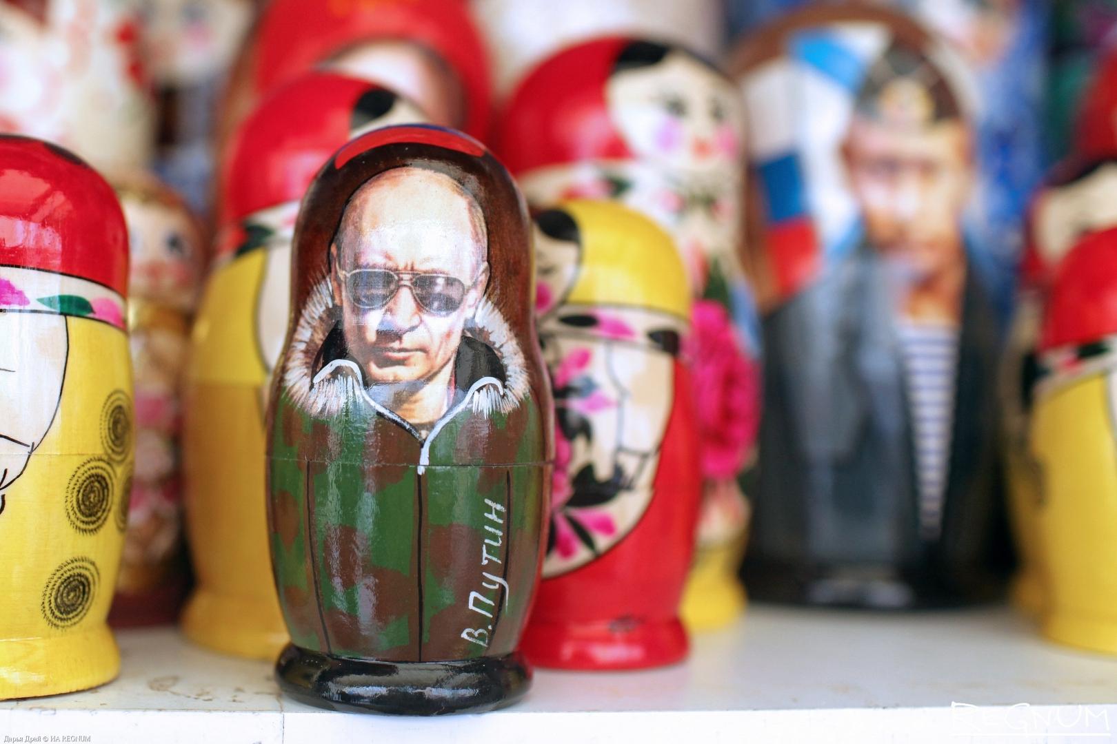 Владимир Путин на сувенирах