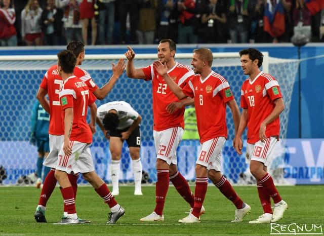 Российские футболисты на матче Россия-Египет