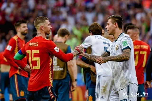 Матч между сборными России и Испании на стадионе «Лужники»