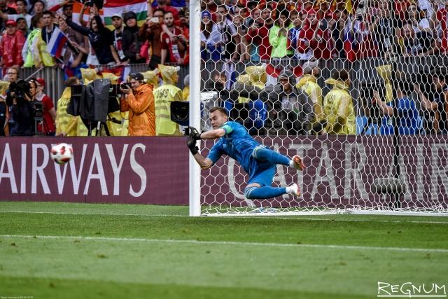 Якутяне празднуют футбольную победу в 1/8 финала: «Акинфеев спасёт Россию!»
