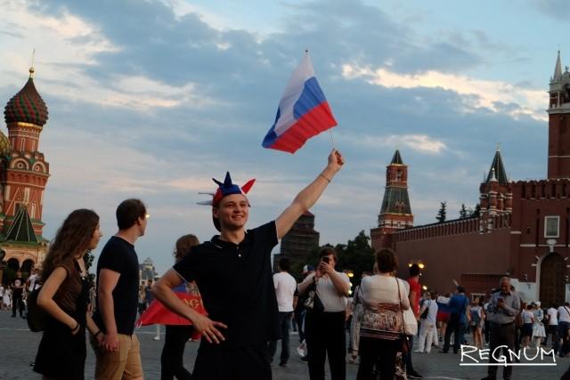 В Москве отпраздновали победу России над сборной Испании: фоторепортаж