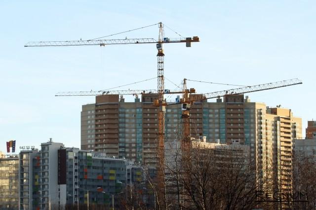 Ввод жилья в Петербурге сократился в 1,7 раза