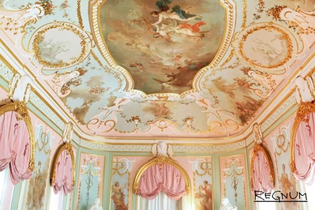 Расписной потолок Китайского дворца