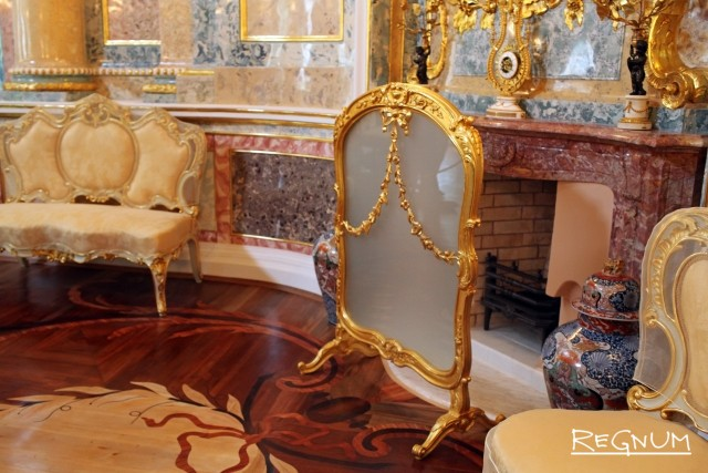 Декор Большой гостиной в Китайском дворце