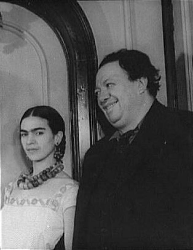 Карл Ван Вехтен. Фрида Кало с супругом Диего Риверой, 1932 год