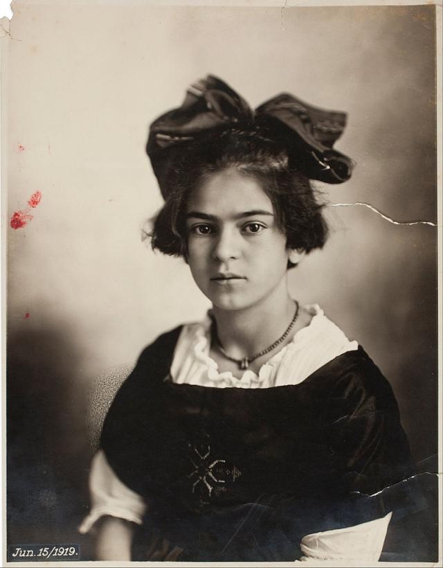 Фрида Кало в возрасте 12 лет