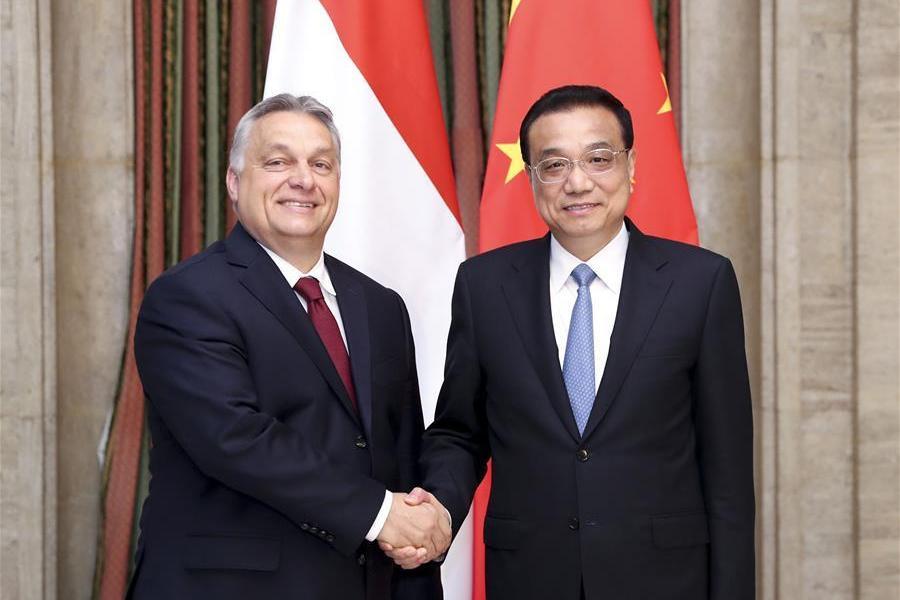 Виктор Орбан и Ли Кэцян на форуме участников международного формата «16+1»