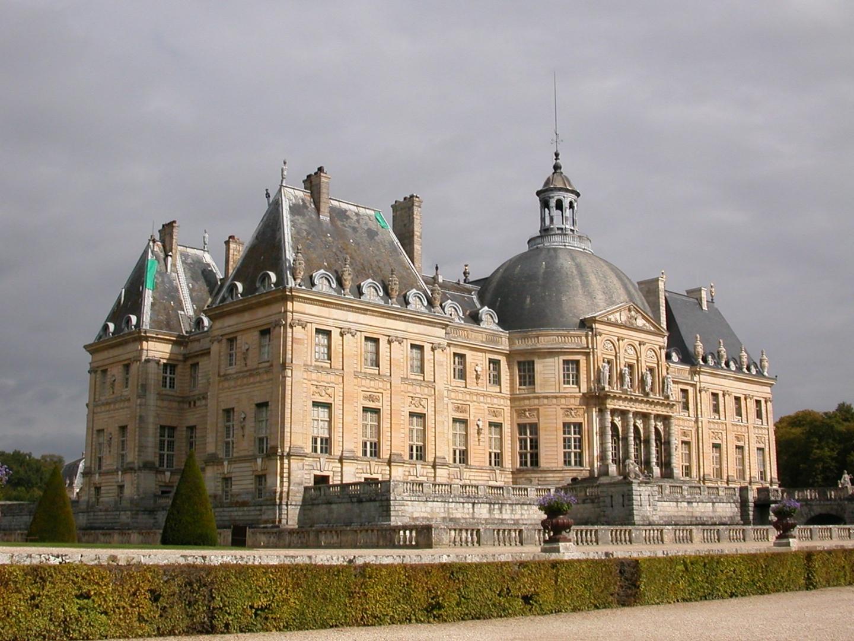 Дворец Во-ле-Виконт построенный для Николя Фуке