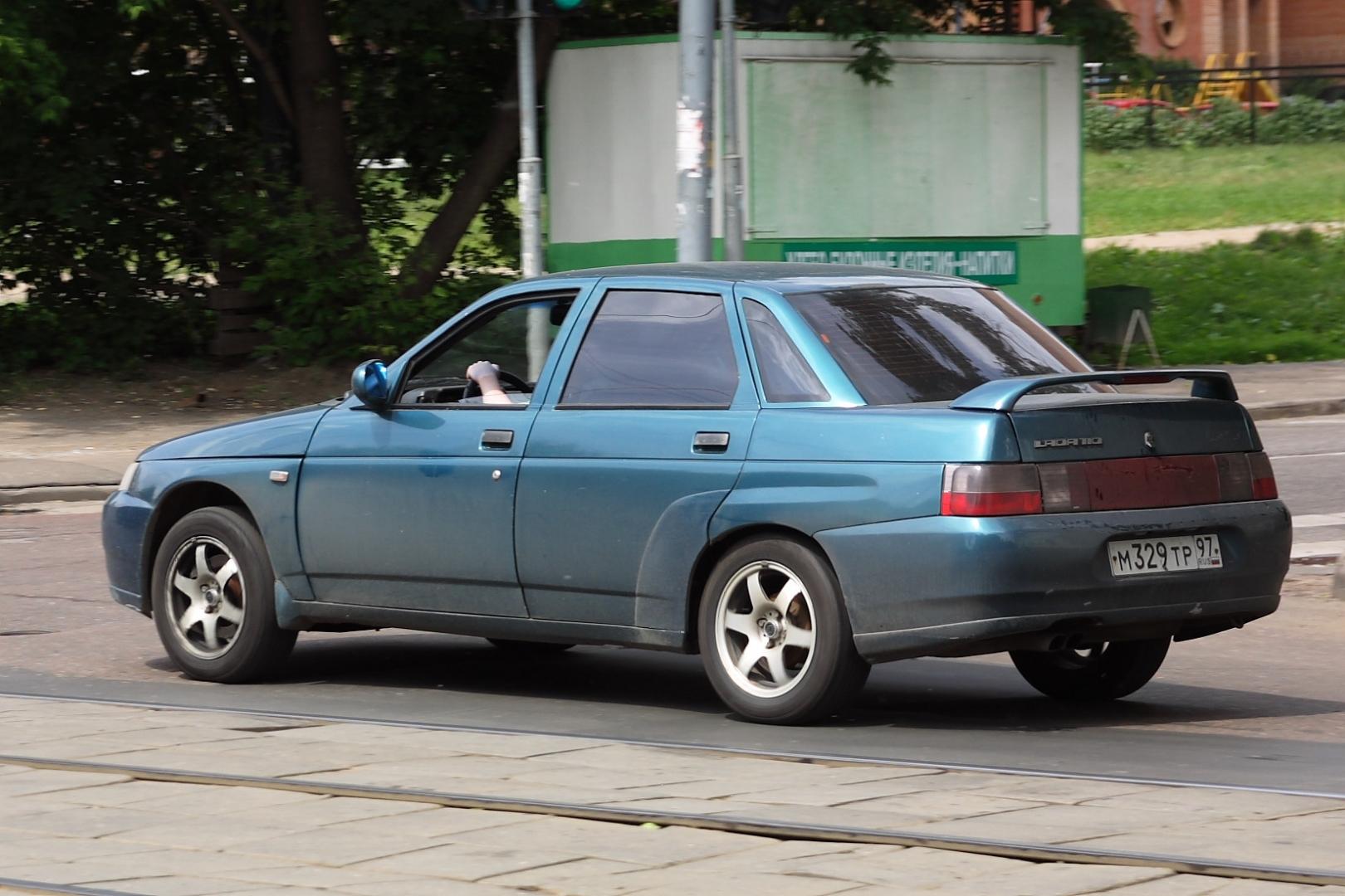 Автомобиль Lada 2110