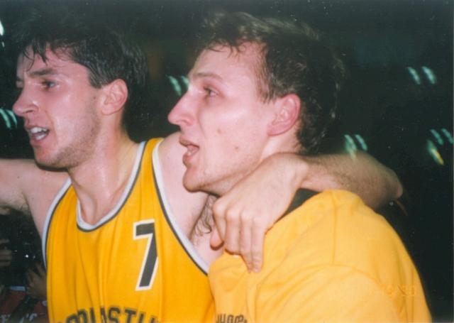 Тони Кукоч (слева)