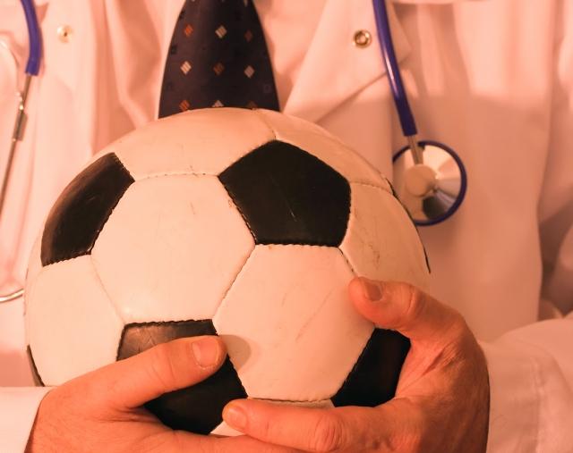 Двум игрокам Хорватии потребовалась помощь медиков после матча с Россией