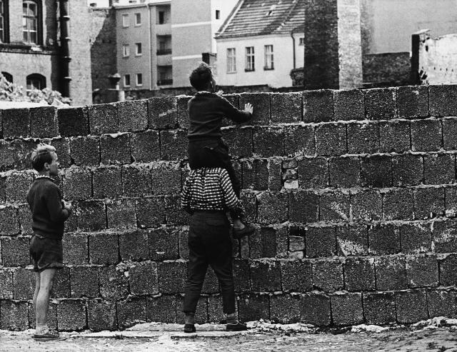 Берлинская стена. 1963