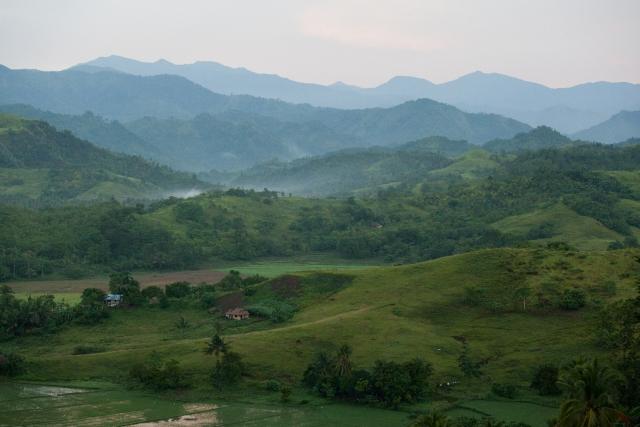 Горы покрывают почти весь остров